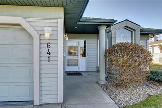 Photo 4: 641 ADVENT Bay in Rural Rocky View County: Rural Rocky View MD Semi Detached for sale : MLS®# C4301047