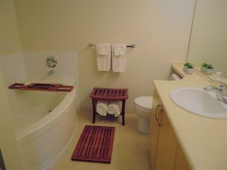 """Photo 8: 201 200 KLAHANIE Drive in Port Moody: Port Moody Centre Condo for sale in """"SALAL"""" : MLS®# R2222800"""