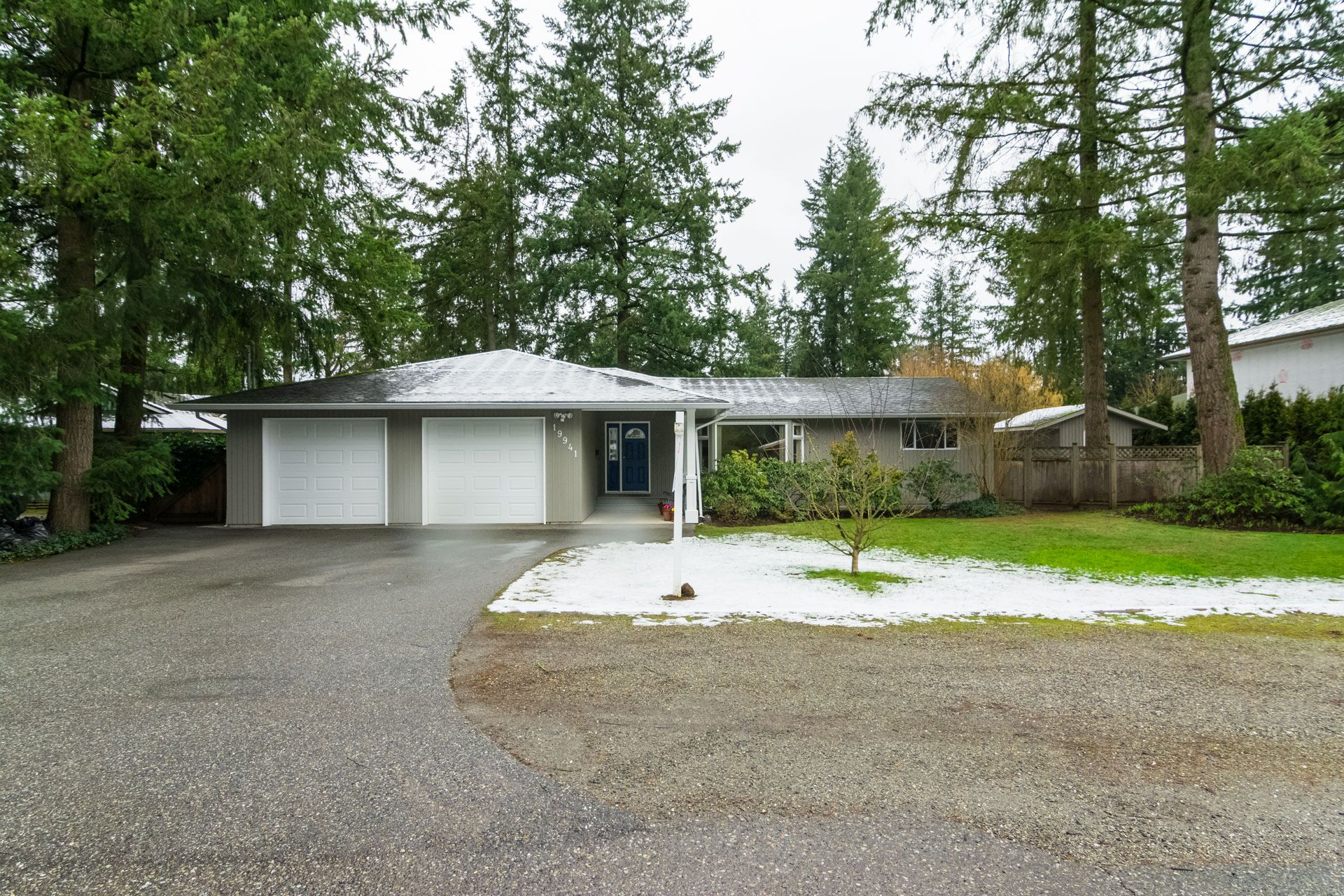 """Photo 2: Photos: 19941 37 Avenue in Langley: Brookswood Langley House for sale in """"Brookswood"""" : MLS®# R2240474"""