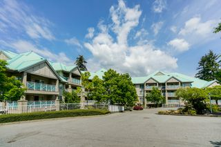 "Photo 5: 408 15150 29A Avenue in Surrey: King George Corridor Condo for sale in ""The Sands II"" (South Surrey White Rock)  : MLS®# R2274636"