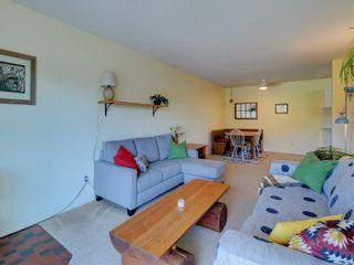 Photo 2: 402 2022 Foul Bay Rd in : Vi Jubilee Condo for sale (Victoria)  : MLS®# 878200