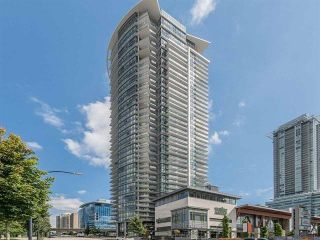 """Photo 3: 2106 2008 ROSSER Avenue in Burnaby: Brentwood Park Condo for sale in """"SOLO"""" (Burnaby North)  : MLS®# R2527577"""