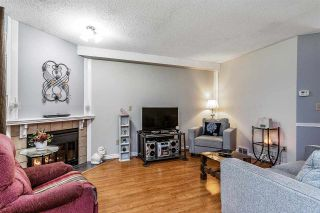 """Photo 5: 7 5925 177B Street in Surrey: Cloverdale BC Townhouse for sale in """"The Gables"""" (Cloverdale)  : MLS®# R2447082"""