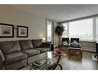 Photo 1: 460 8 Street SW in Calgary: Single Level Apartment for sale : MLS®# C3571101