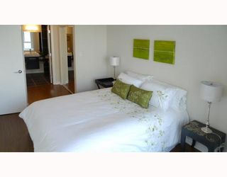 """Photo 9: 3006 188 KEEFER Place in Vancouver: Downtown VW Condo for sale in """"ESPANA - TOWER B"""" (Vancouver West)  : MLS®# V779742"""