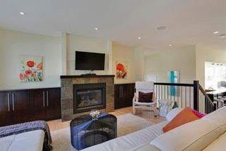 Photo 5: 455 29 Avenue NW in Calgary: Mount Pleasant Semi Detached for sale : MLS®# A1142737