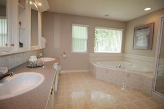 """Photo 16: 4318 210A Street in Langley: Brookswood Langley House for sale in """"Cedar Ridge"""" : MLS®# R2178962"""