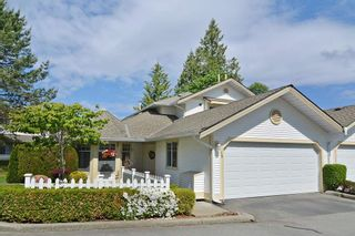 "Photo 1: 136 8737 212TH Street in Langley: Walnut Grove Townhouse for sale in ""Chartwell Green"" : MLS®# R2072695"