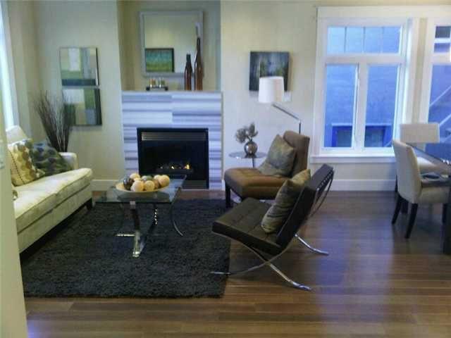 Photo 3: Photos: 2762 W 3RD AV in : Kitsilano 1/2 Duplex for sale : MLS®# V852882