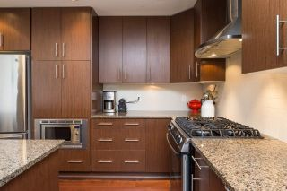 """Photo 4: 105 16447 64 Avenue in Surrey: Cloverdale BC Condo for sale in """"St. Andrew's"""" (Cloverdale)  : MLS®# R2159820"""