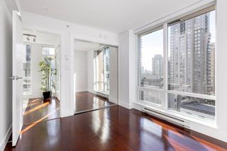 "Photo 17: 802 565 SMITHE Street in Vancouver: Downtown VW Condo for sale in ""VITA"" (Vancouver West)  : MLS®# R2539615"