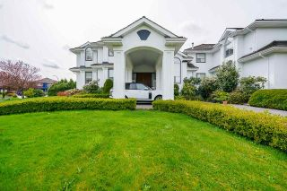 Photo 3: 7383 151A Street in Surrey: East Newton House for sale : MLS®# R2575342