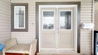 Photo 3: 937 WILDWOOD Way in Edmonton: Zone 30 House for sale : MLS®# E4221520