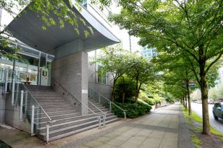 """Photo 9: 2505 1200 W GEORGIA Street in Vancouver: West End VW Condo for sale in """"Residence on Georgia"""" (Vancouver West)  : MLS®# R2613256"""