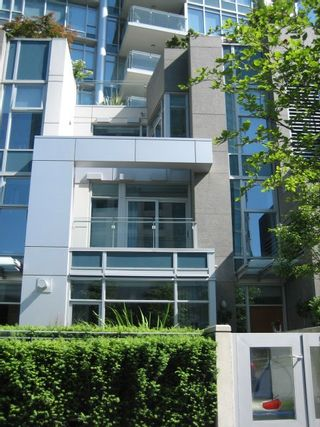 Photo 4: TH26 1281 West Cordova in Callisto of Coal Harbour: Coal Harbour Home for sale ()  : MLS®# V596082