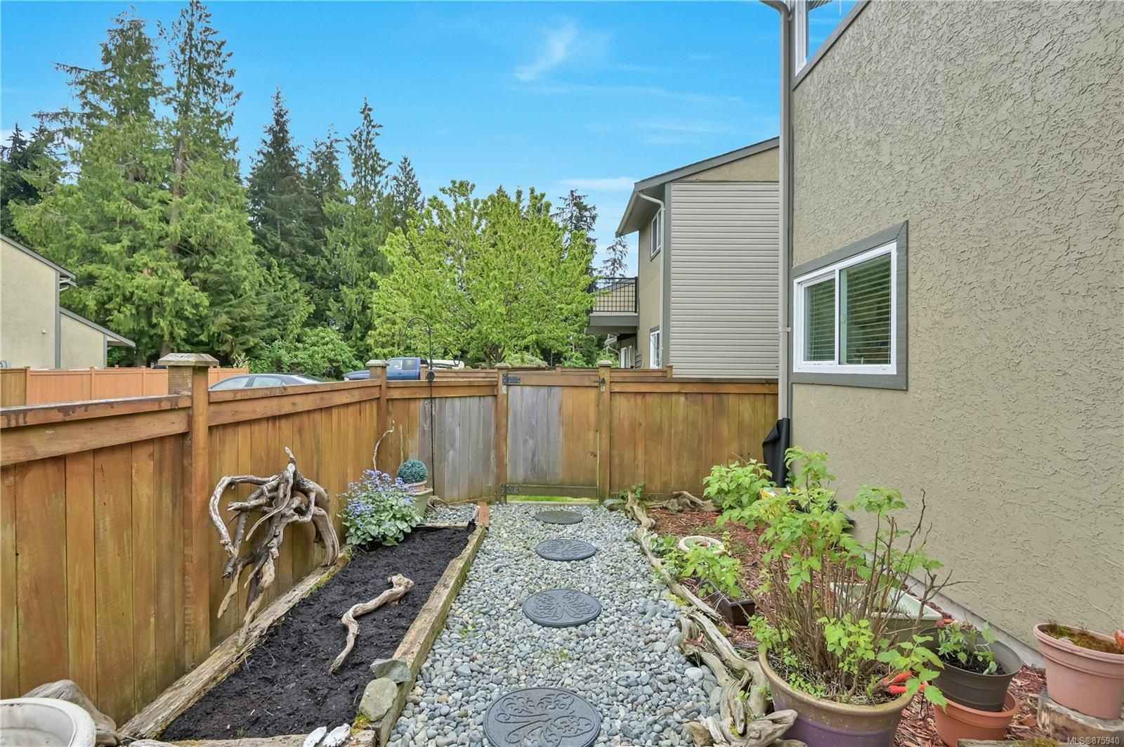Main Photo: 23 9130 Granville St in : NI Port Hardy Row/Townhouse for sale (North Island)  : MLS®# 875940