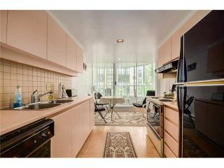 "Photo 12: 202 717 JERVIS Street in Vancouver: West End VW Condo for sale in ""EMERALD WEST"" (Vancouver West)  : MLS®# R2541468"