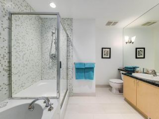 """Photo 18: 2305 1077 MARINASIDE Crescent in Vancouver: Yaletown Condo for sale in """"MARINASIDE RESORT"""" (Vancouver West)  : MLS®# R2544520"""