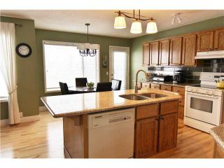 Photo 3: 532 Riverbend Drive SE in Calgary: Riverbend Residential Detached Single Family for sale : MLS®# C3606476