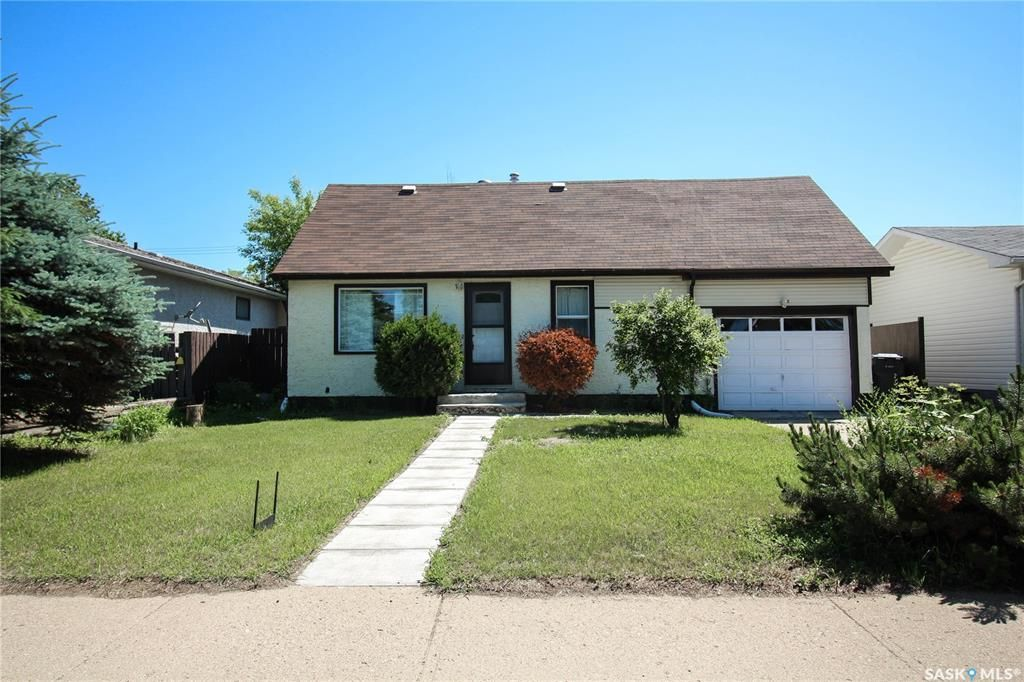 Main Photo: 1382 109th Street in North Battleford: College Heights Residential for sale : MLS®# SK861044