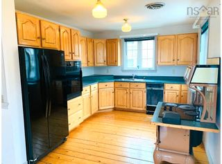Photo 4: 15 School Street in Mahone Bay: 405-Lunenburg County Residential for sale (South Shore)  : MLS®# 202120769