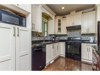"""Photo 3: 27684 LANTERN Avenue in Abbotsford: Aberdeen House for sale in """"Abbotsford Station"""" : MLS®# R2103364"""