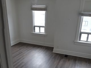 Photo 3: Upper 111 Carlaw Avenue in Toronto: South Riverdale House (Apartment) for lease (Toronto E01)  : MLS®# E5124494