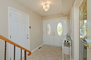 Photo 3: 2613 Hayford Court in Mississauga: Sheridan House (2-Storey) for sale : MLS®# W2742106