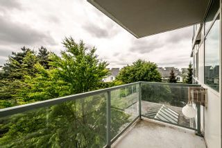 Photo 4: 302 2733 CHANDLERY PLACE in Vancouver: Fraserview VE Condo for sale (Vancouver East)  : MLS®# R2169175