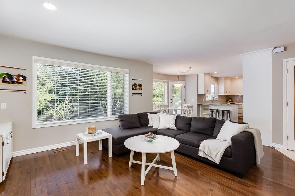 Photo 17: Photos: 115 SIERRA MORENA Circle SW in Calgary: Signal Hill Detached for sale : MLS®# C4299539