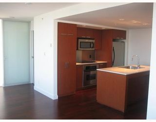"Photo 9: 3202 1255 SEYMOUR Street in Vancouver: Downtown VW Condo for sale in ""ELAN"" (Vancouver West)  : MLS®# V711378"