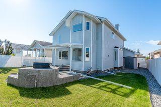 Photo 1: 471 OZERNA Road in Edmonton: Zone 28 House for sale : MLS®# E4252419