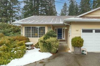 """Photo 2: 3846 204 Street in Langley: Brookswood Langley House for sale in """"BROOKSWOOD"""" : MLS®# R2538994"""