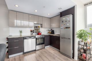 """Photo 5: 305 1919 WYLIE Street in Vancouver: False Creek Condo for sale in """"Maynards Block"""" (Vancouver West)  : MLS®# R2589947"""