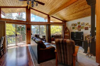 Photo 14: 7633 Squilax Anglemont Road: Anglemont House for sale (North Shuswap)  : MLS®# 10233439
