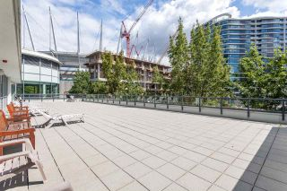 """Photo 12: 2003 939 EXPO Boulevard in Vancouver: Yaletown Condo for sale in """"THE MAX"""" (Vancouver West)  : MLS®# R2102471"""