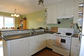 Photo 7: 3240 RAILWAY Avenue in Smithers: Smithers - Town 1/2 Duplex for sale (Smithers And Area (Zone 54))  : MLS®# R2373224