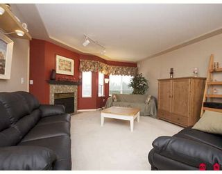 """Photo 3: 301 20443 53RD Avenue in Langley: Langley City Condo for sale in """"COUNTRYSIDE ESTATES"""" : MLS®# F2833348"""