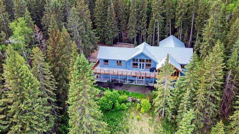 FEATURED LISTING: 10 - 3348 TWP Rd 334 Rural Mountain View County