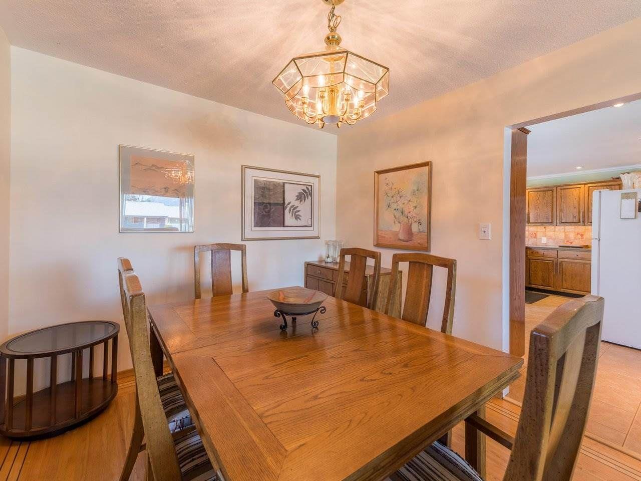 Photo 9: Photos: 808 REGAN Avenue in Coquitlam: Coquitlam West House for sale : MLS®# R2563486