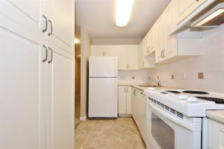 """Photo 7: 810 2799 YEW Street in Vancouver: Kitsilano Condo for sale in """"TAPESTRY AT ARBUTUS WALK"""" (Vancouver West)  : MLS®# R2534721"""