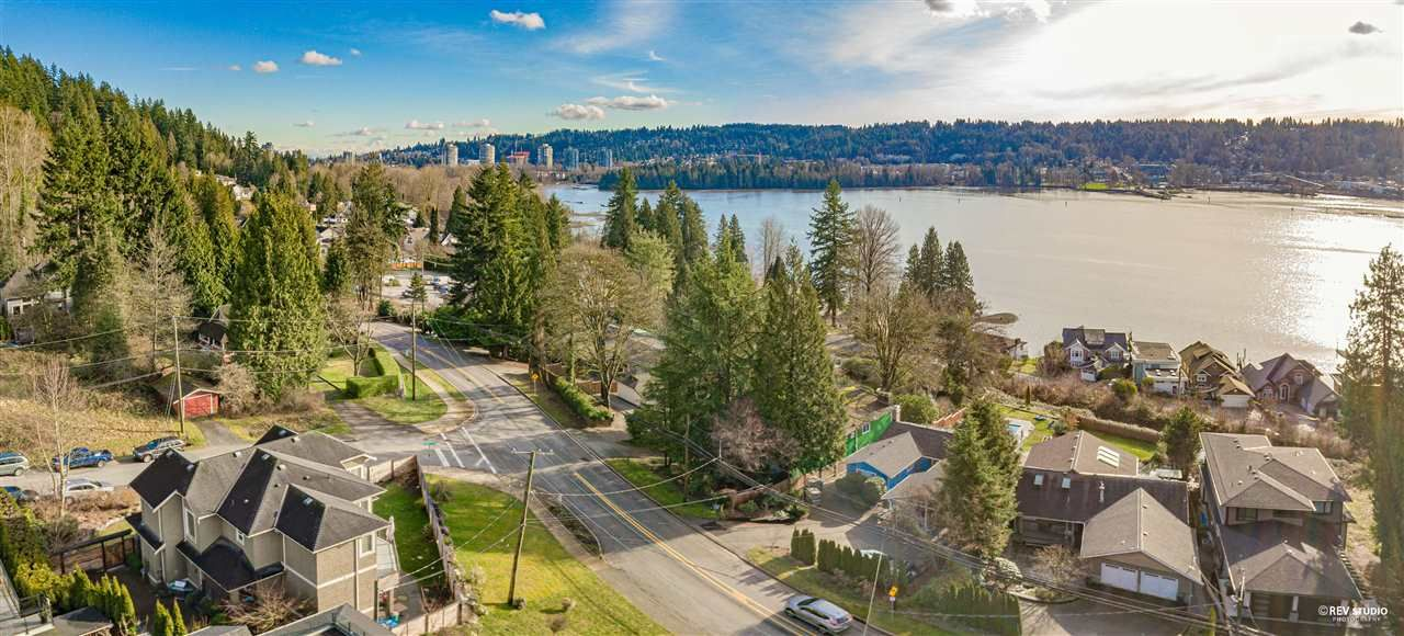 Photo 5: Photos: 645 IOCO Road in Port Moody: North Shore Pt Moody House for sale : MLS®# R2537725