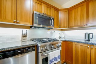 """Photo 10: 721 COLBORNE Street in New Westminster: GlenBrooke North House for sale in """"Glenbrook North"""" : MLS®# R2609816"""