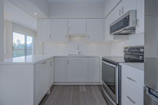 """Photo 6: 921 31955 OLD YALE Road in Abbotsford: Abbotsford West Condo for sale in """"Evergreen Village"""" : MLS®# R2449088"""