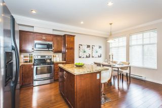 """Photo 3: 22 14462 61A Avenue in Surrey: Sullivan Station Townhouse for sale in """"RAVINA"""" : MLS®# R2158057"""