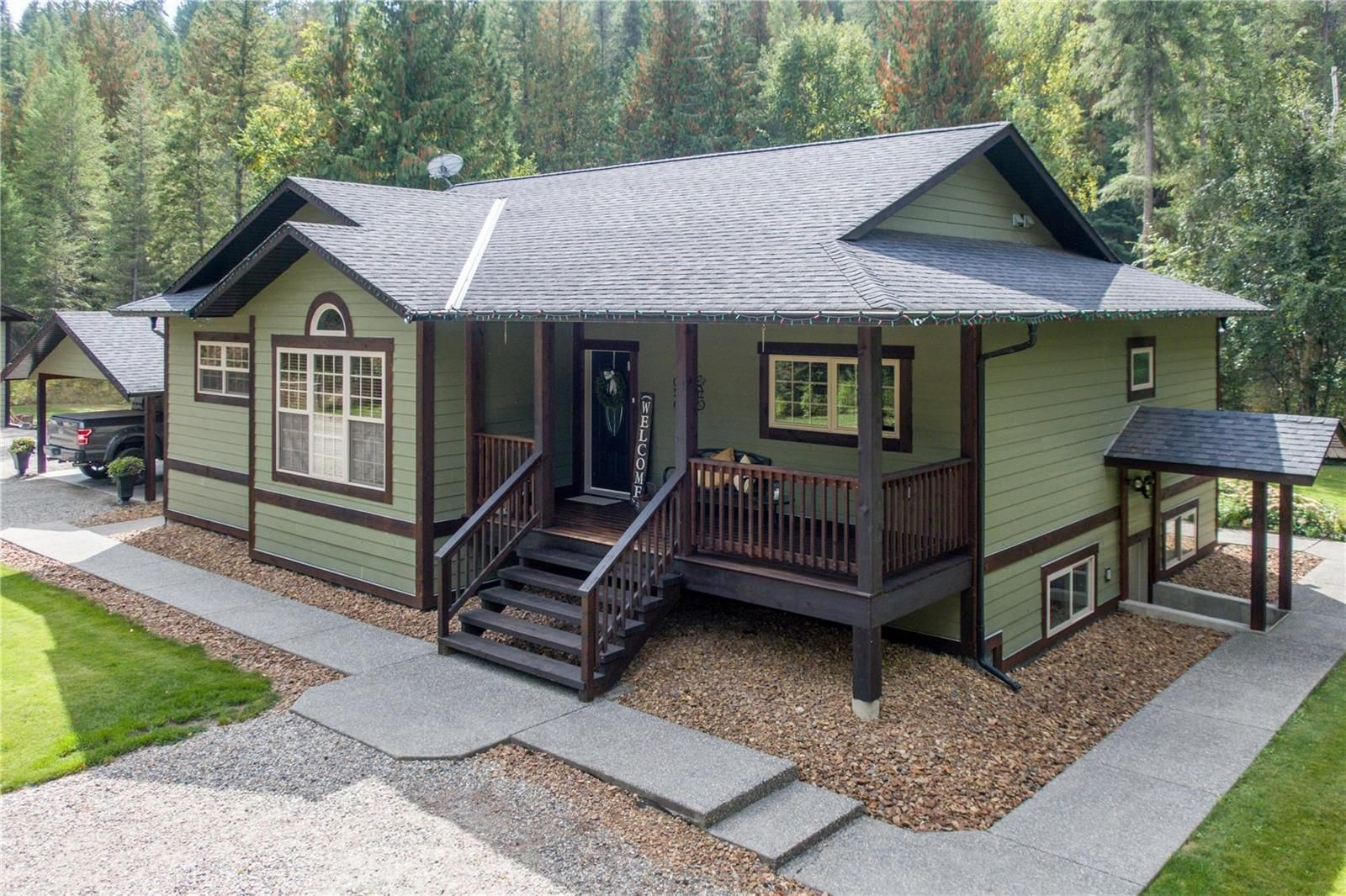 Main Photo: 1462 Highway 6 Highway, in Lumby: House for sale : MLS®# 10240075
