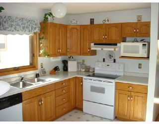 Photo 3: 23 PELHAM Road in WINNIPEG: St Vital Residential for sale (South East Winnipeg)  : MLS®# 2818547