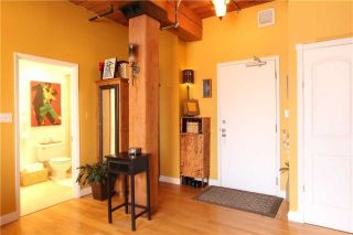 Photo 8: 24 Noble St Unit #111 in Toronto: Roncesvalles Condo for sale (Toronto W01)  : MLS®# W4039153