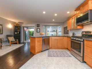 Photo 9: 2195 Hawk Dr in COURTENAY: CV Courtenay East House for sale (Comox Valley)  : MLS®# 831486
