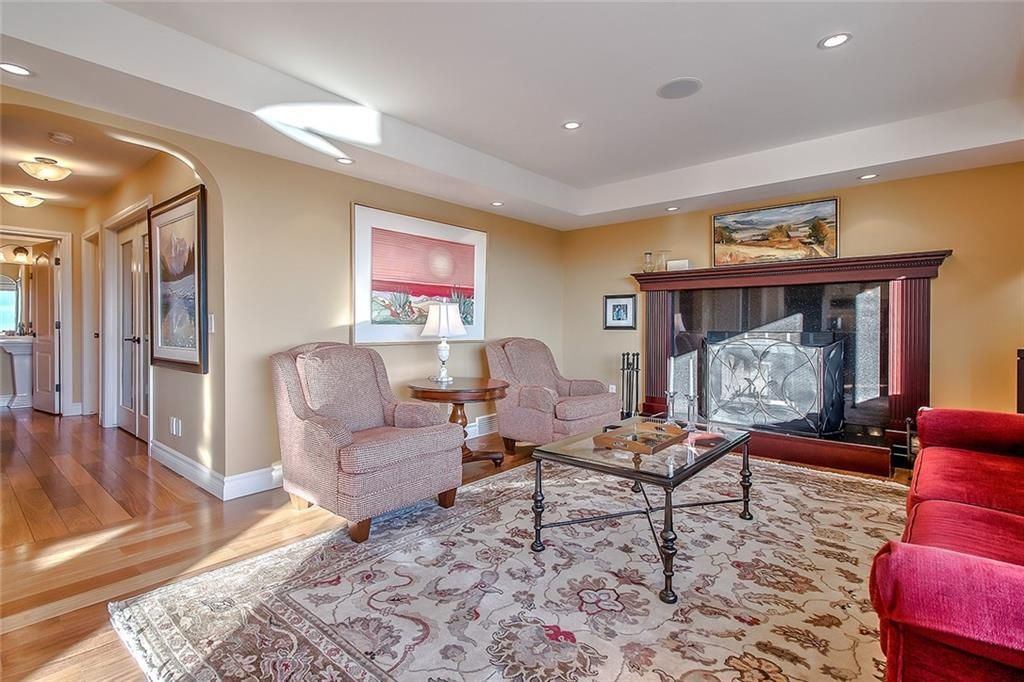 Photo 8: Photos: 153 SIGNATURE Close SW in Calgary: Signal Hill Detached for sale : MLS®# C4283177